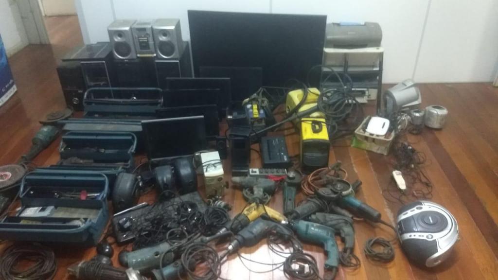 foto de Investigadores recuperam R$ 33 mil em produtos roubados