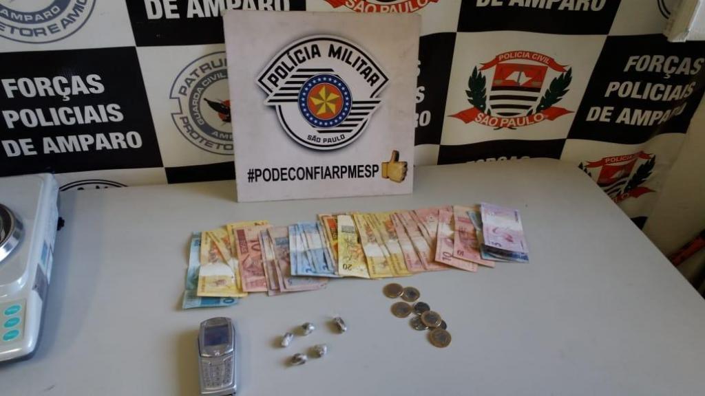 foto de Traficante é preso em ponto de ônibus com mais de R$ 500