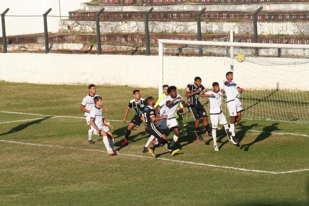 foto de Depois de duas vitórias Amparo empata em jogo sem gols no Paulista
