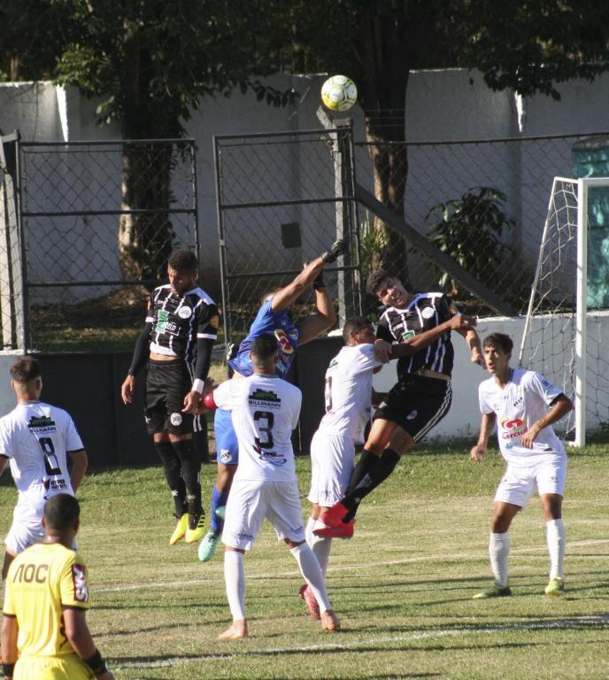foto de Amparo vence primeiro jogo da terceira fase do Paulista