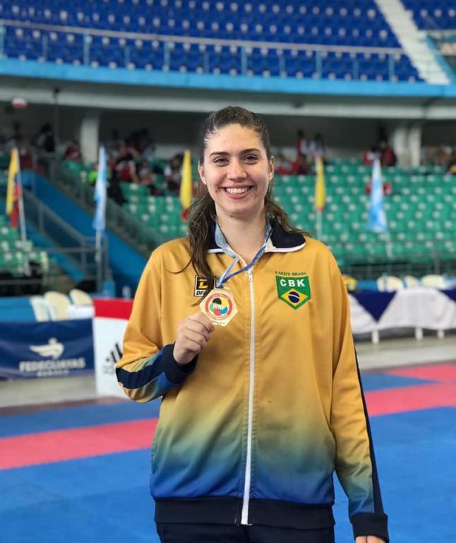 foto de Anna Laura conquista bicampeonato no Pan-americano de Karatê