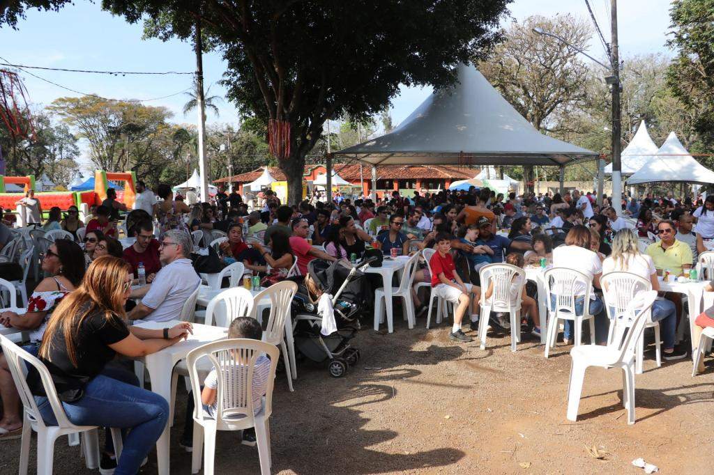foto de Primeiro final de semana do 9º Festival da Linguiça atrai milhares de visitantes