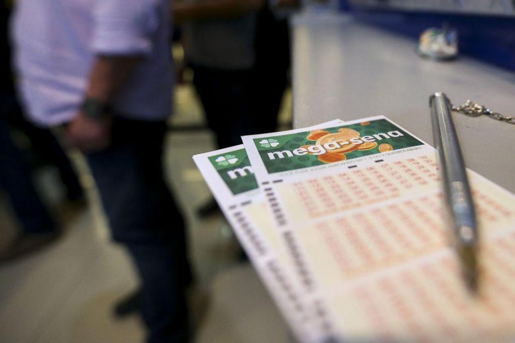 foto de Mega-Sena acumula e prêmio pode chegar a R$ 90 milhões
