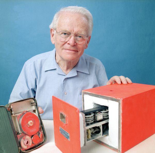 foto de David Warren – O inventor da Caixa Preta