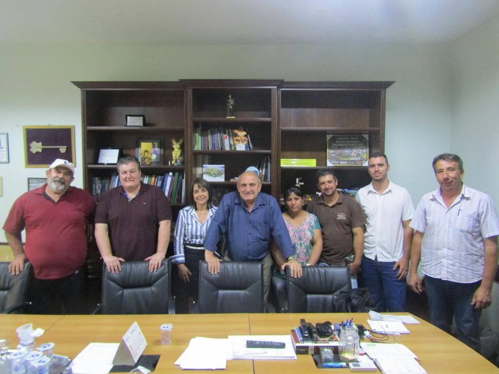 foto de Serra Negra: Prefeito e secretários recebem moradores do Bairro dos Leaes e ouvem reivindicações