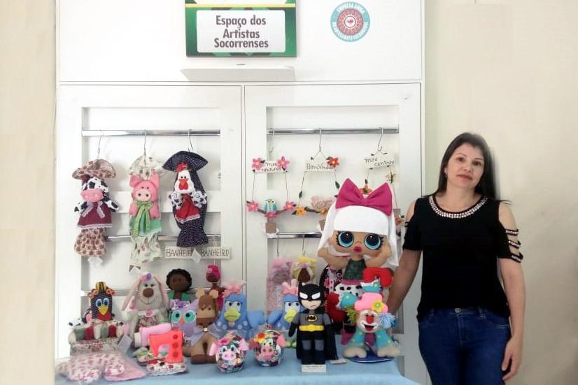 foto de Eliane Guilherme apresenta a sua arte no Espaço dos Artistas Socorrenses da ACE Socorro