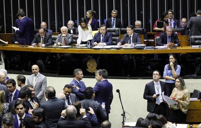 foto de Deputados concluem votação da Nova Lei de Licitações, e projeto segue para o Senado