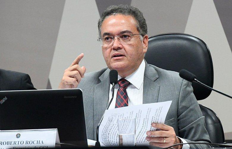 foto de Relator entrega parecer da reforma tributária na CCJ do Senado