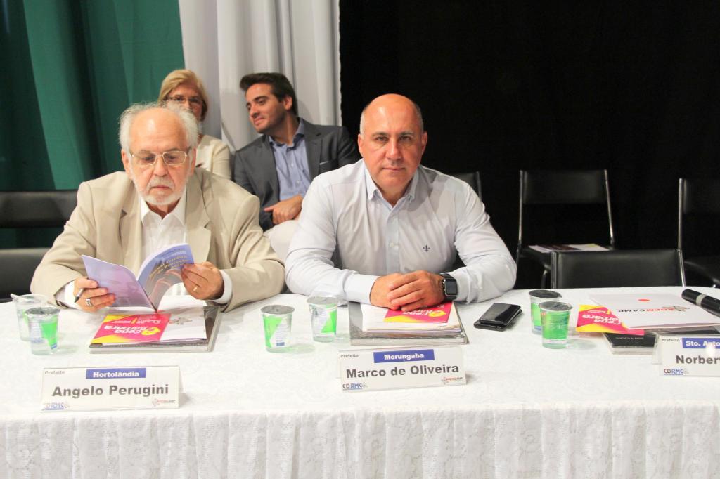 foto de Morungaba presente na reunião do conselho da RMC