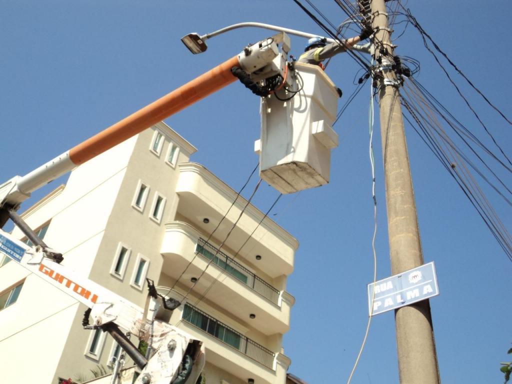 foto de Serra Negra: Prefeitura realiza trocas de luminárias em mais 173 ruas