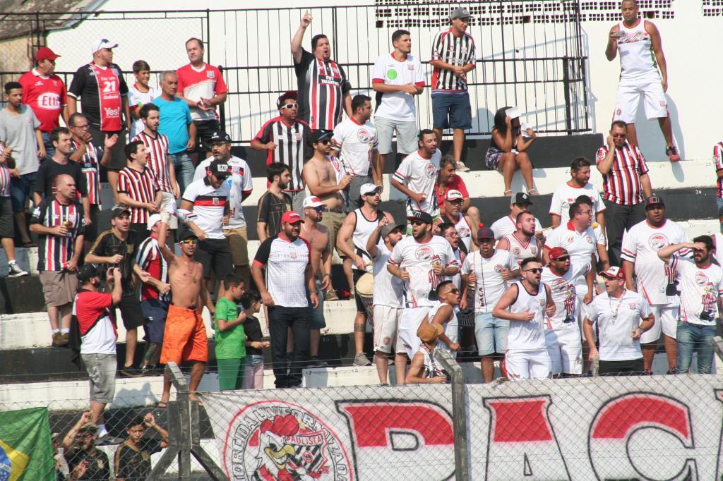 foto de Arbitragem relata invasão de campo no jogo Amparo x Paulista