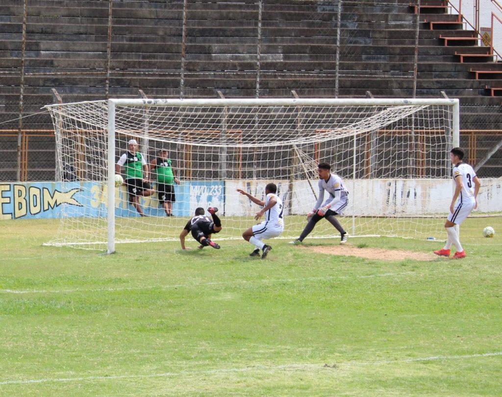 foto de Amparo perde mais uma no Paulista e termina na última colocação do grupo