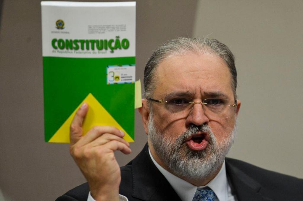 foto de Em sabatina, Aras defende MP independente e separação dos Poderes