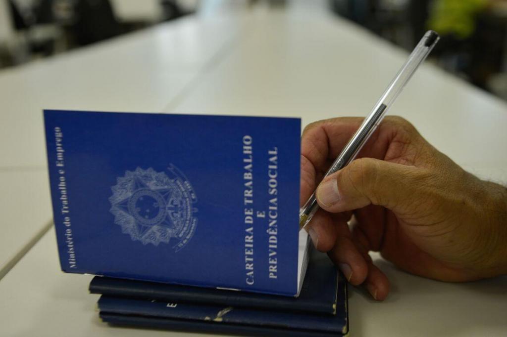 foto de Brasil tem quinto mês consecutivo com saldo positivo de emprego