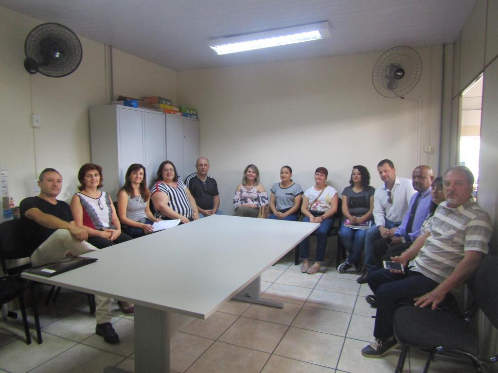 foto de Serra Negra: Novos membros do Conselho Municipal de Educação tomam posse