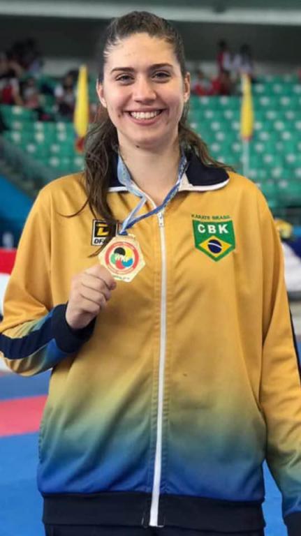 foto de Anna Laura Prezzoti assume liderança no ranking mundial de Karatê