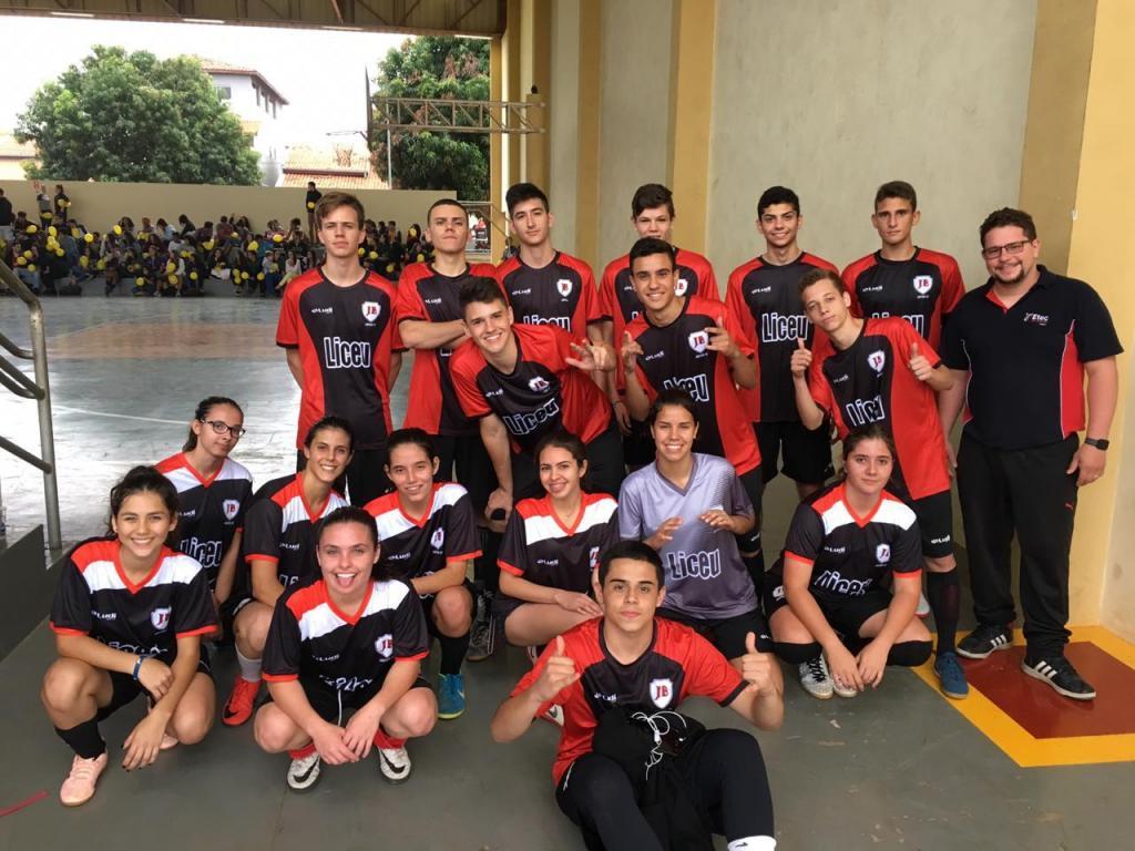 foto de Futsal masculino e feminino do Liceu se destacam