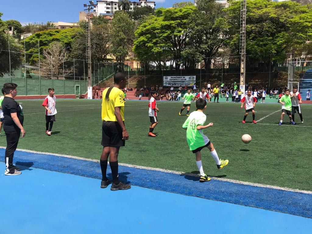 foto de Cerca de 300 estudantes participaram das competições de futebol society dos Jogos Escolares