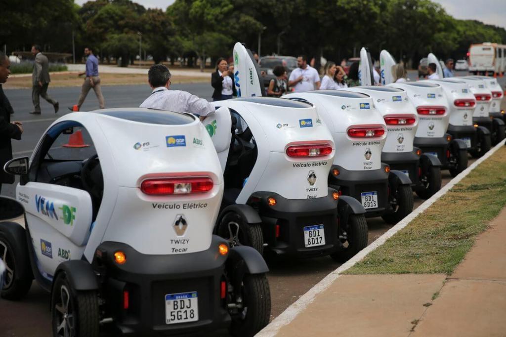 foto de Servidores do Distrito Federal usarão carros elétricos compartilhados