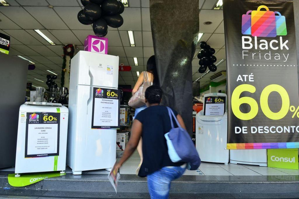 foto de Pesquisa mostra aumento das intenções de compra na Black Friday
