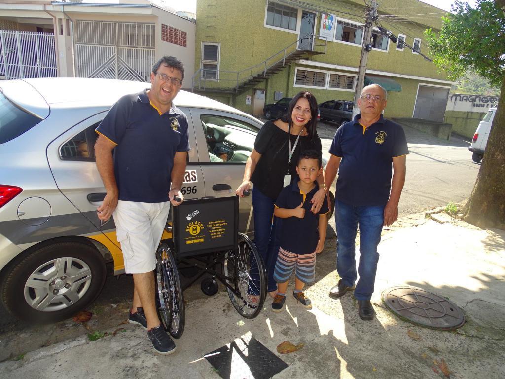 foto de Campanha Ecolacre: novas  cadeiras de rodas são entregues