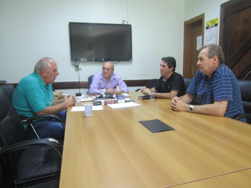 foto de Reunião para agilizar liberação de recursos federais em obras do município é realizada na Prefeitura