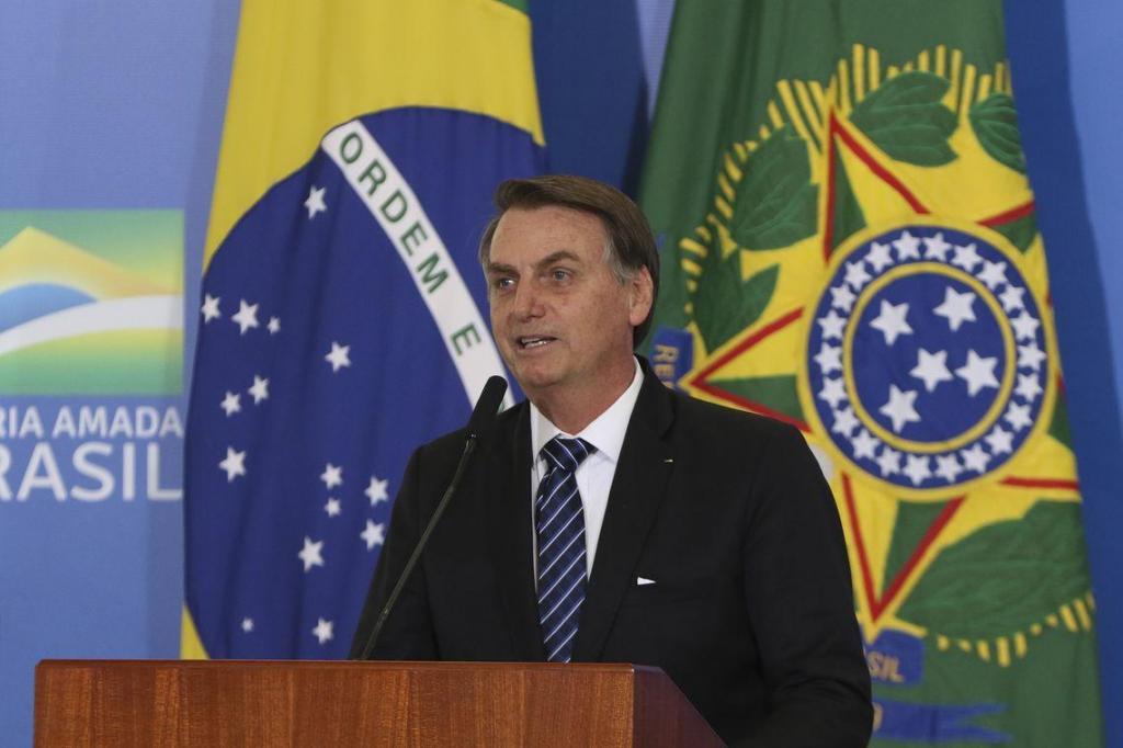 foto de Bolsonaro assina MP para solucionar conflitos entre União e devedores
