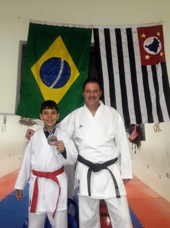 foto de Karateca conquista medalha em MG