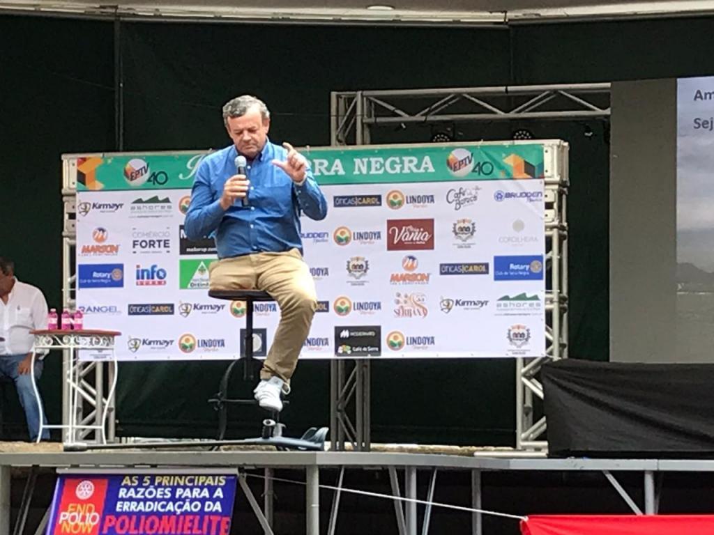 foto de Serra Negra: Tarde de sábado teve palestras motivacionais na Praça João Zelante