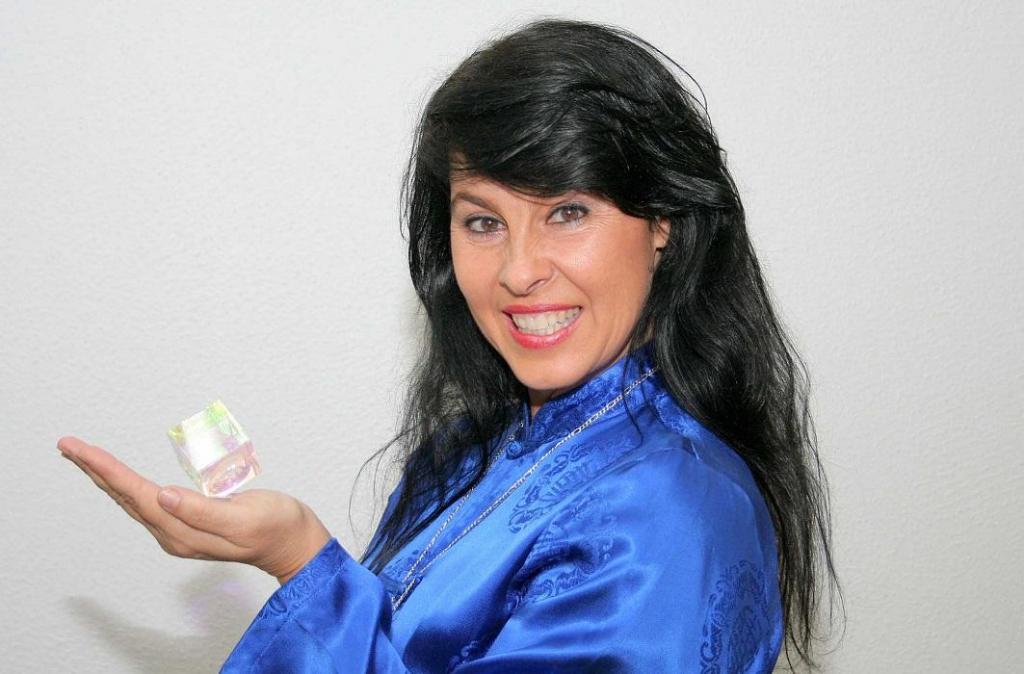 foto de Cristina Cairo vai realizar palestra hoje em Amparo