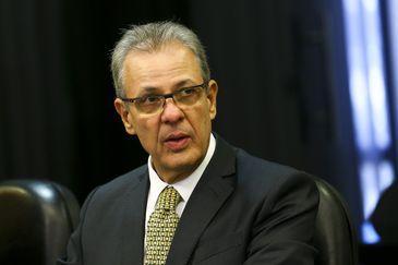 foto de Ministro comenta acionamento de bandeira vermelha para energia