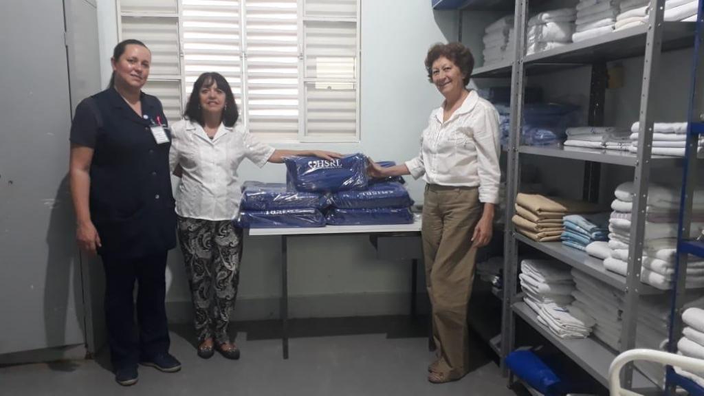 foto de Fundo Social de Serra Negra doa lençóis a hospital