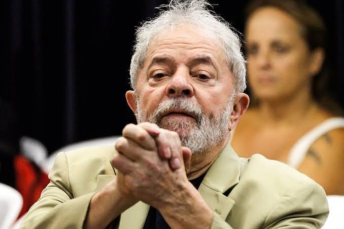 foto de Após decisão do STF, juiz manda soltar ex-presidente Lula