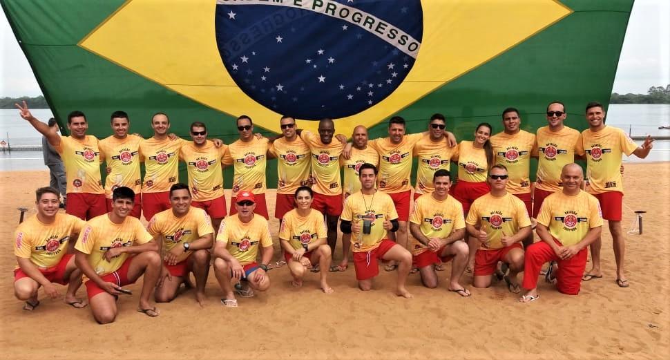 foto de Bombeiros de Serra Negra participam de capacitação de Natação Equipada com maior equipe