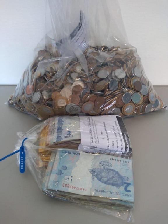 foto de Forças Policiais localizam quase R$ 7 mil em residência no Parque Cecap