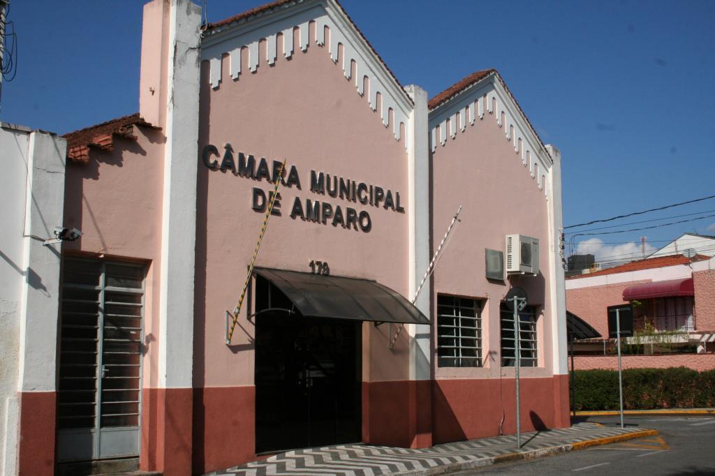 foto de Câmara Municipal de Amparo abre concurso para seis áreas