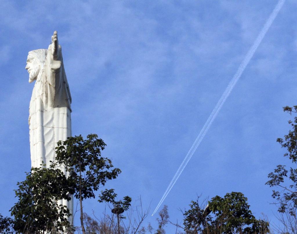 foto de O Cristo Redentor de Amparo é o segundo maior do Brasil?