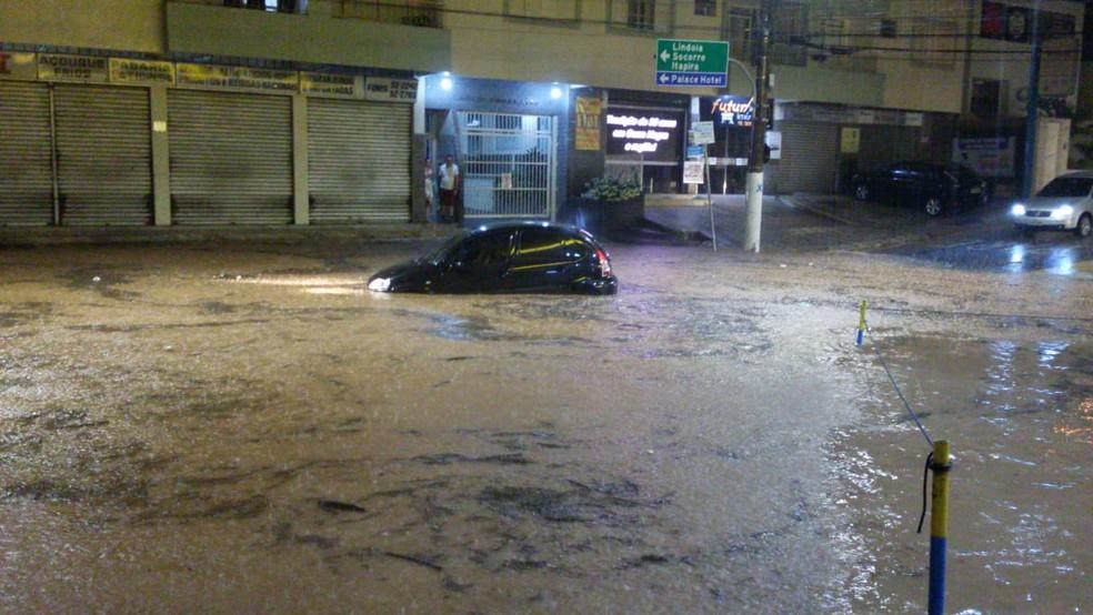 foto de Serra Negra: Prefeitura organiza força-tarefa para emergências causadas pelas chuvas
