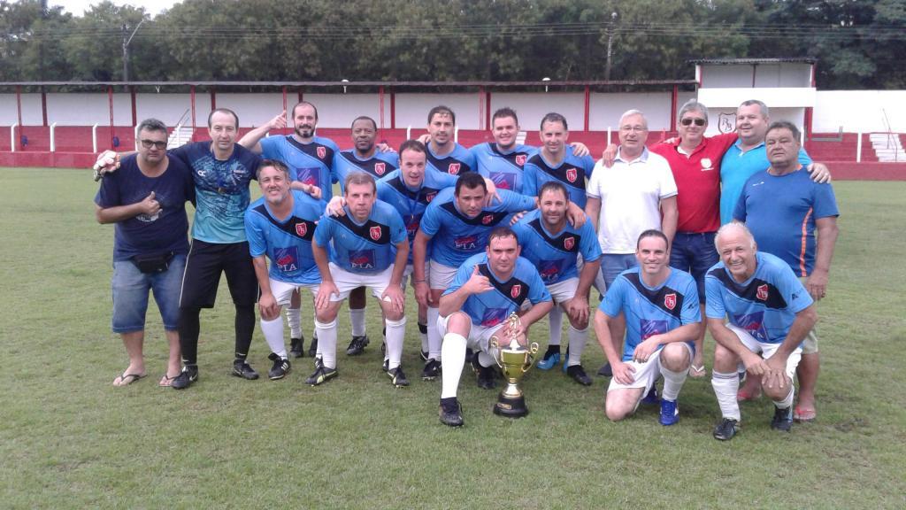 foto de Grêmio fica com o título dos veteranos no Rio Branco