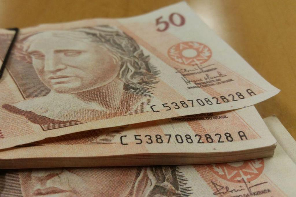 foto de Benefícios iguais a um salário mínimo sobem para R$ 1.039
