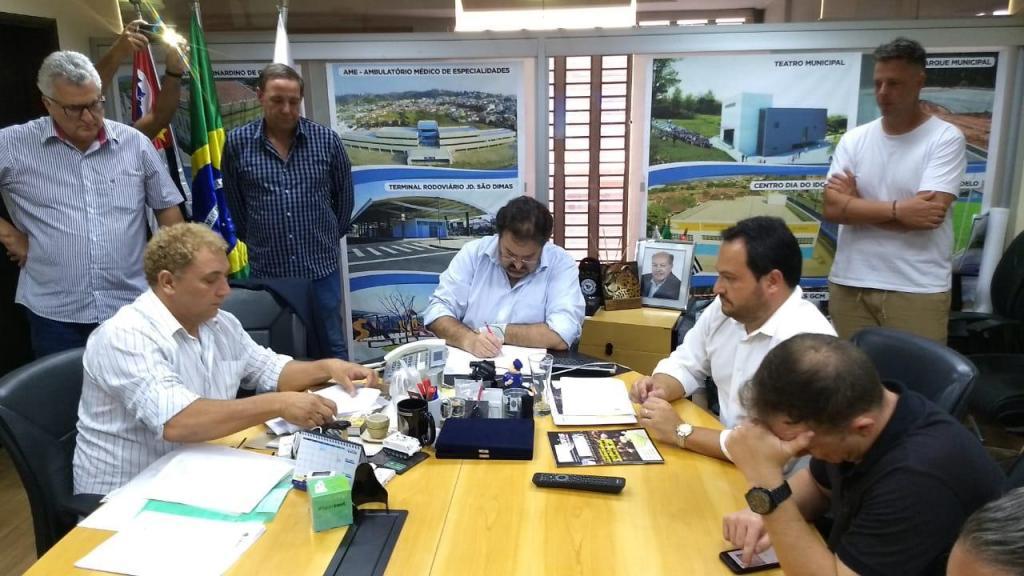 foto de Biro-Biro fica 48 horas como prefeito. Jacob reassume Prefeitura
