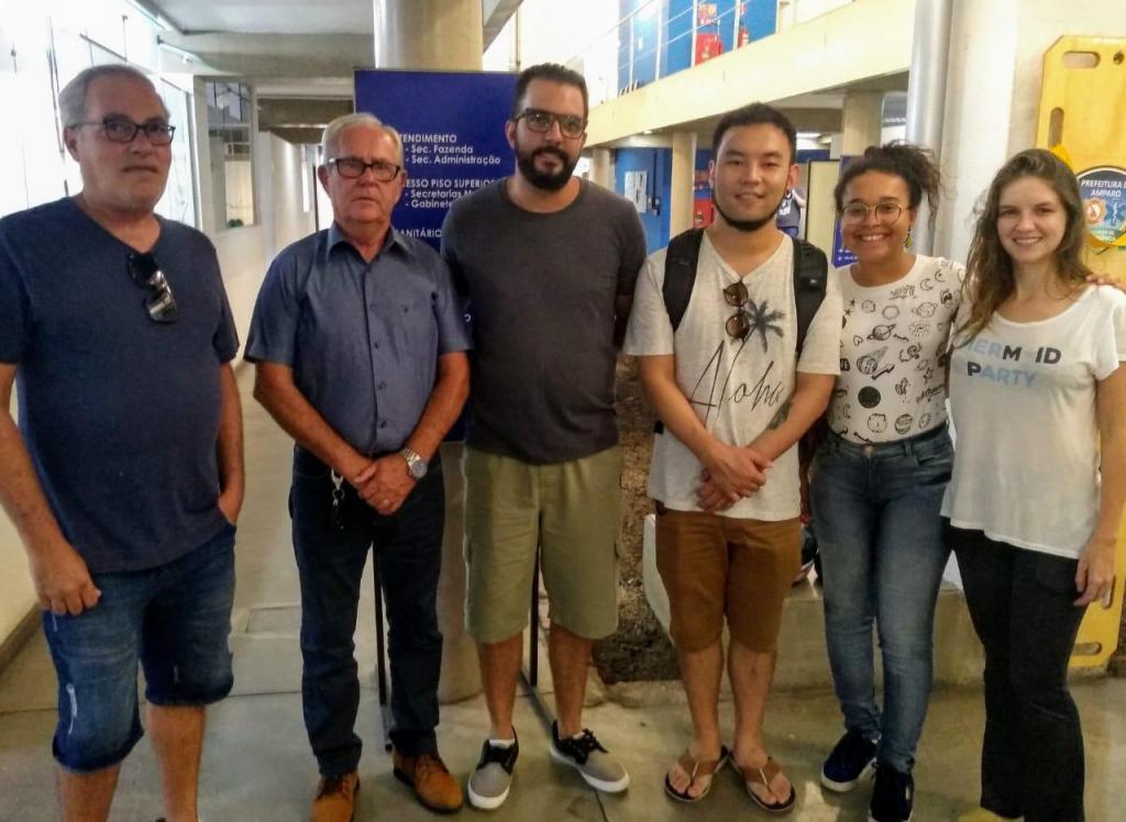 foto de Grupo entrega ofício solicitação criação do Conselho Municipal de Cultura
