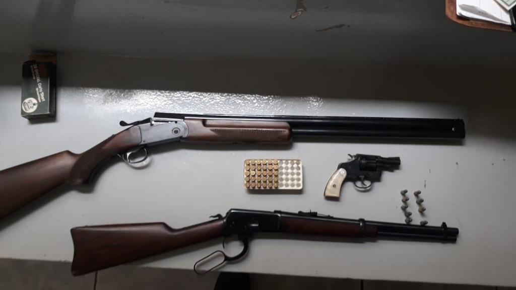 foto de Polícia Militar apreende três armas de fogo após denúncia