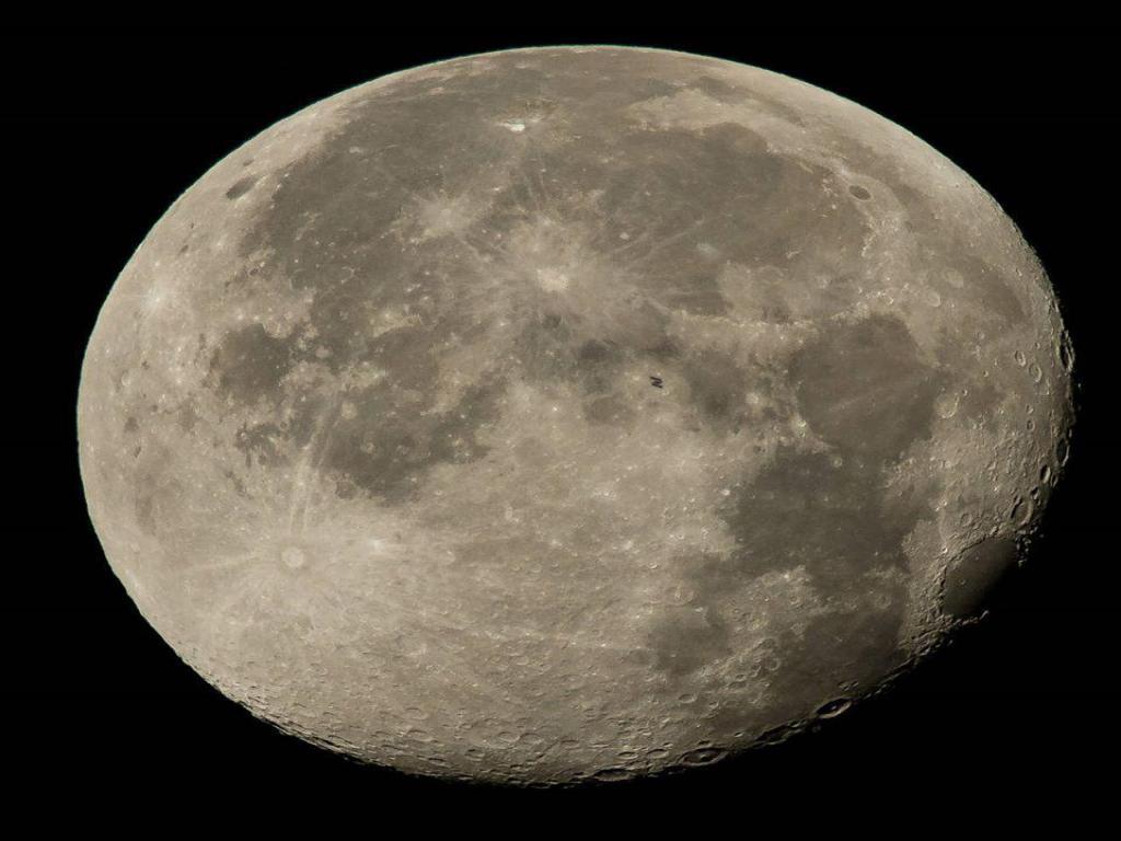 foto de Lua será o destaque do Polo Astronômico de Amparo no próxima sábado