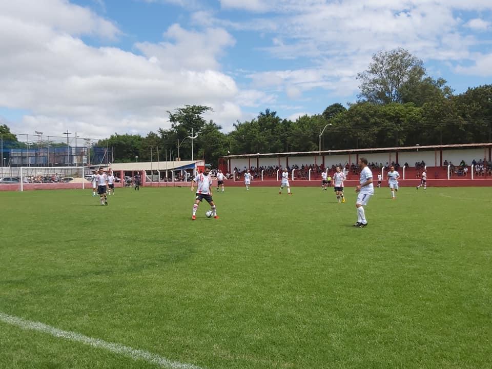 foto de Campo do Centro Esportivo do Trabalhador tem jogo hoje às 20h