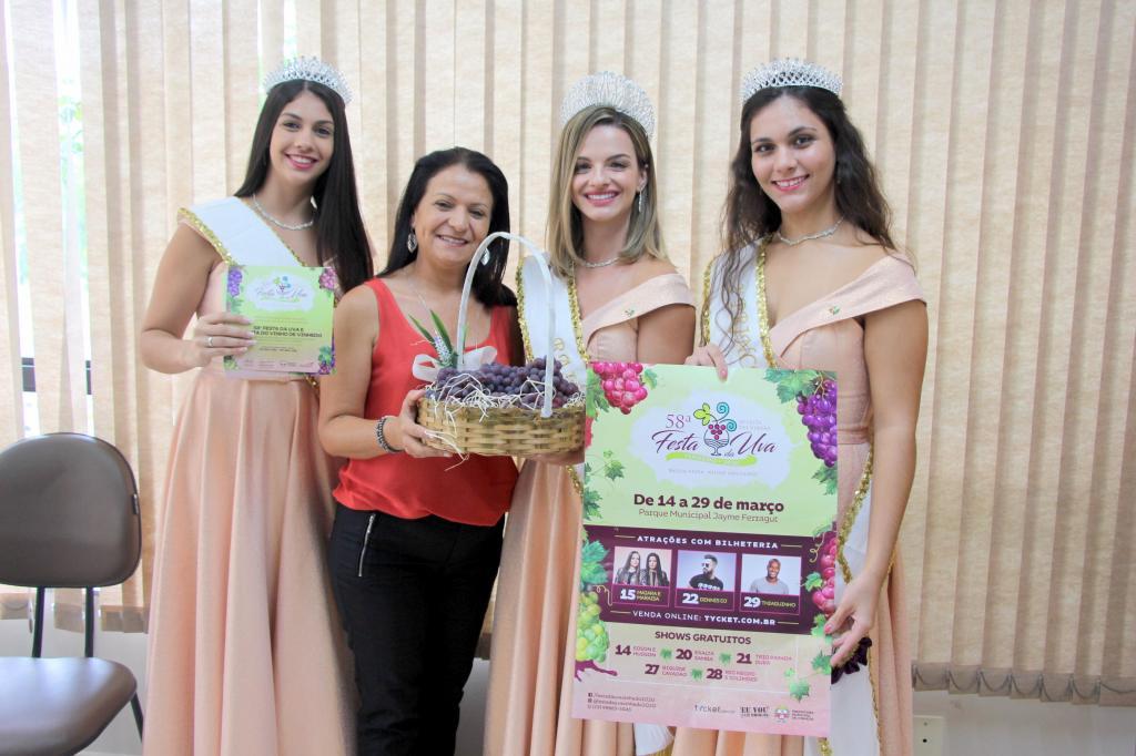 foto de Corte da Festa da Uva de Vinhedo visita Morungaba