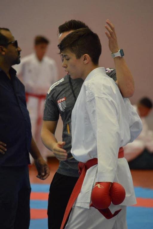 foto de Dois karatecas de Amparo em seletiva para seleção brasileira