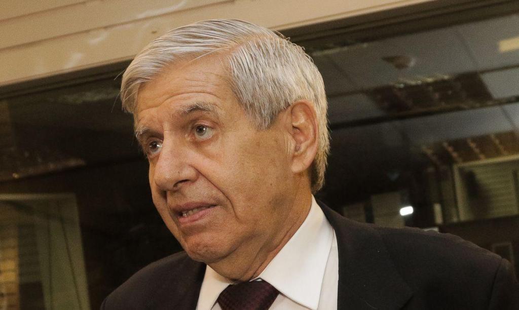 foto de Ministro Augusto Heleno testa positivo para coronavírus