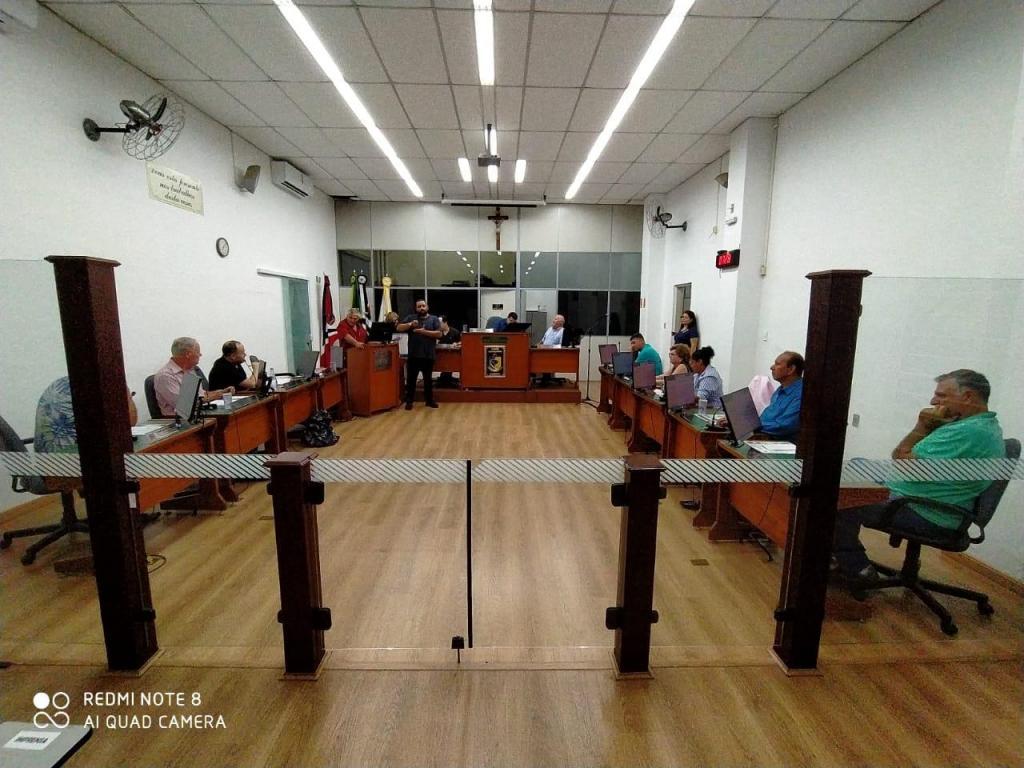 foto de Vereadores aprovam dois projetos em primeira sessão sem público