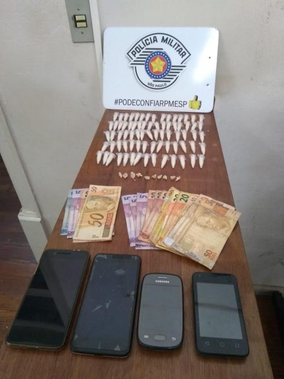 foto de Três presos por tráfico de drogas no Jardim São Dimas
